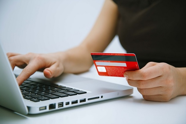 Как оплатить заказ в Орифлейм: картой, через интернет-банкинг, с телефона
